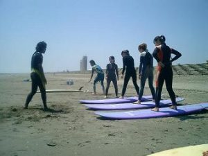 キィオラサーフィンスクール