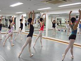 バレエスタジオ・アラベスク